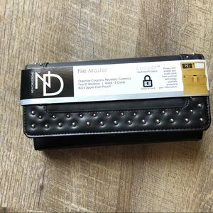 🌸New Directions🌸 Studded Wallet